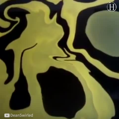 Swirling Done Right: When the Blank Guitar Is Taken out of Water, It Has GORGEOUS Pattern
